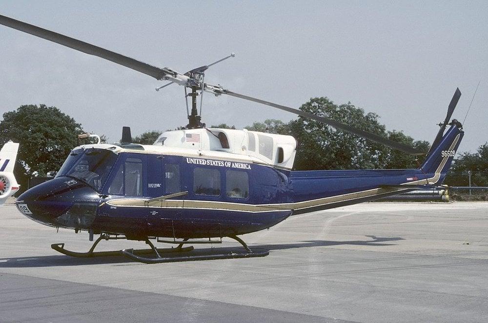 Bell_UH-1N_Iroquois_(212),_USA_-_Air_Force_AN1804764.jpg